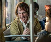CORINGA :: Joaquin Phoenix se irrita em video de bastidores