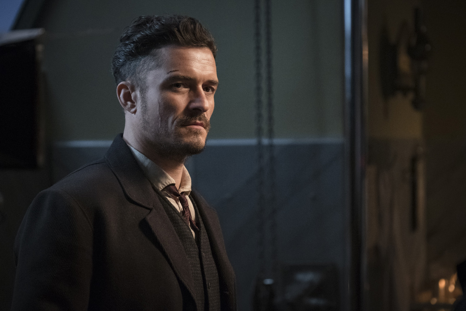Orlando Bloom announces hell be quarantined upon return